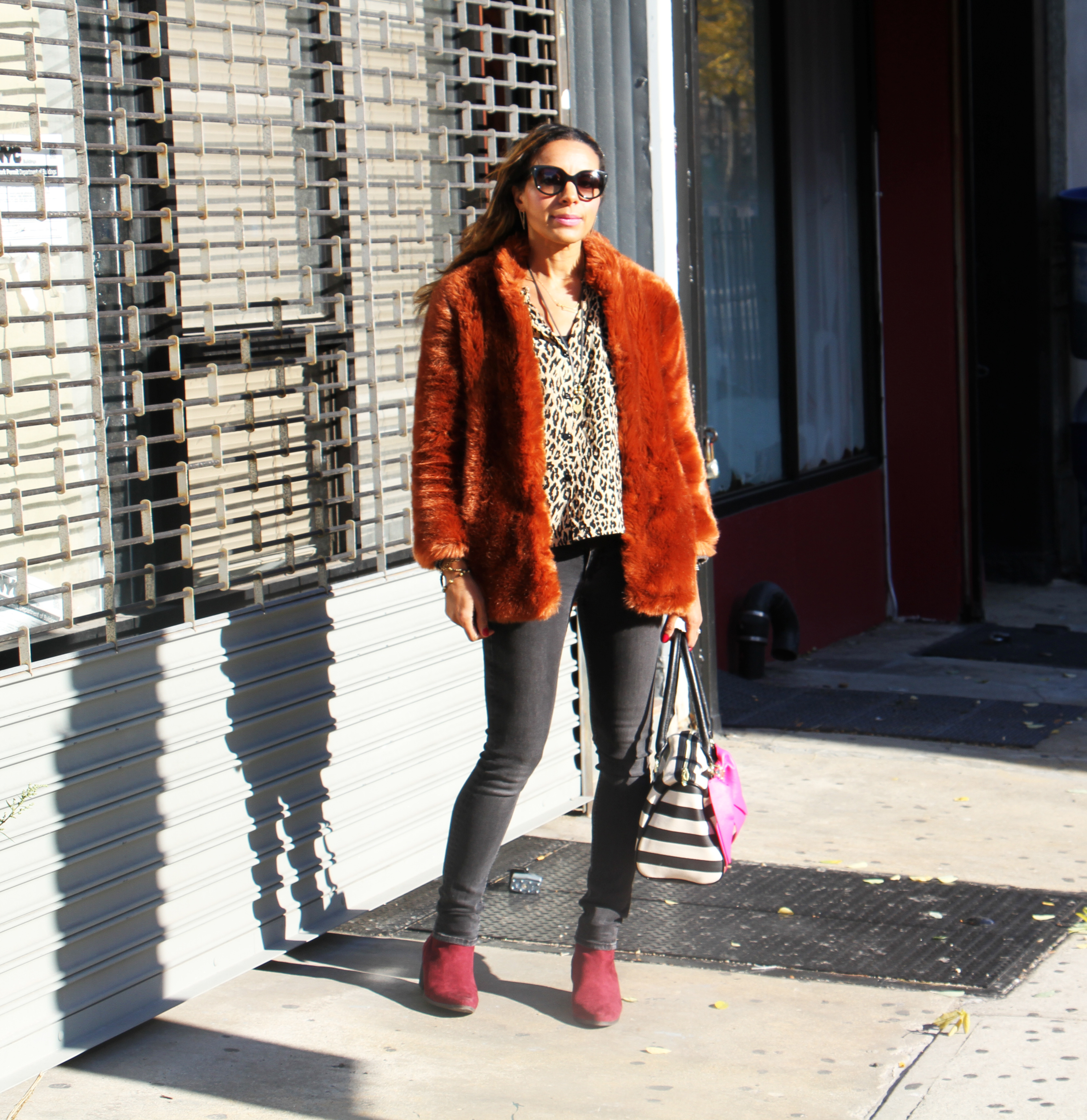 rock-paper-sequins_faux-fur-in-the-city_5